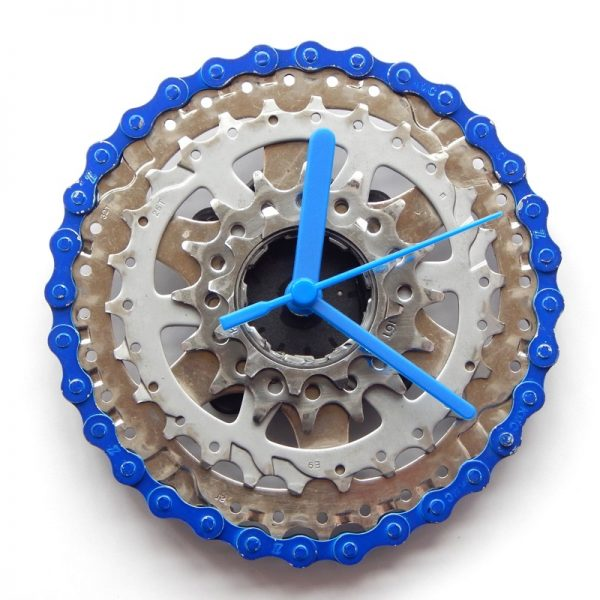 recycled bicycle cassette clock