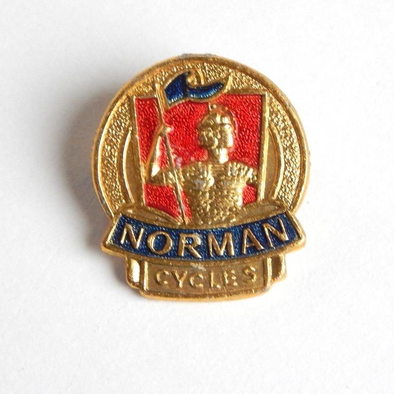 vintage bicycle pin badge