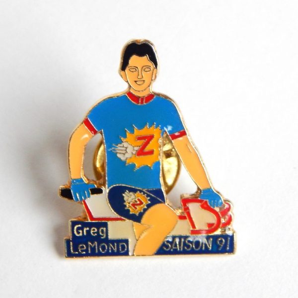 retro cycling pin badge