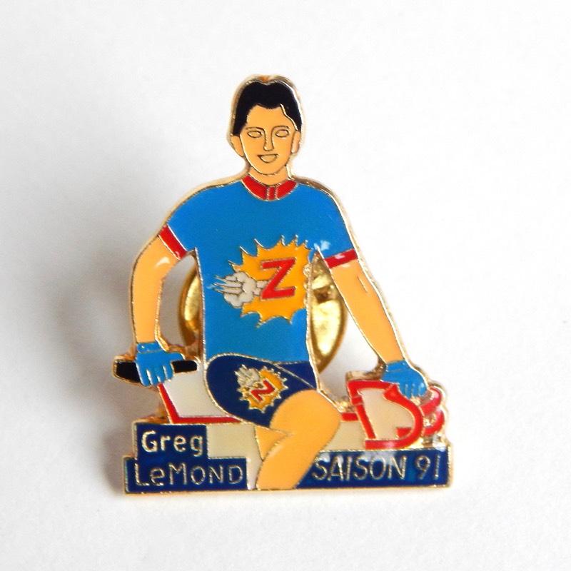 retro cycling pin badge