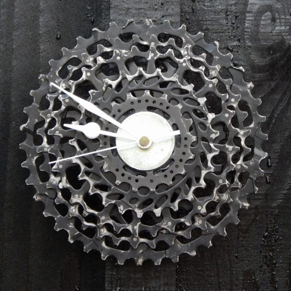 recycled bicycle clock