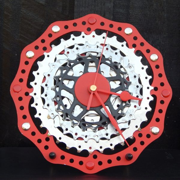 upcycled bicycle desk clock